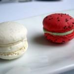 Petit Macarons 150x150